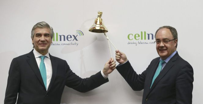 Súbita caída de la banca lleva al Ibex a negativo y a los inversores, al desconcierto
